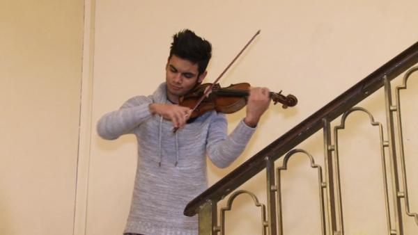 violonist_talentat_vlcsnap-2017-02-03-17h38m10s40