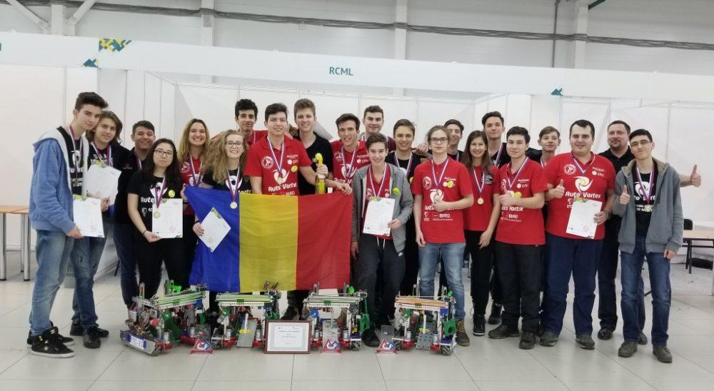 Echipa-de-campioni-la-robotica-a-Romaniei-dupa-competitia-din-Rusia-din-februarie-2018